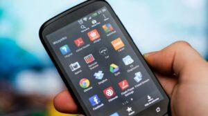 Ilustrasi berbagai aplikasi di ponsel Android. [Shutterstock]