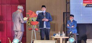Pasangan calon Bupati dan Wakil Bupati Kabupaten Pangkep nomor urut 1, Muhammad Yusran Lalogau dan Syahban Sammana tampil dengan sangat baik di acara debat publik yang digelar oleh KPU Pangkep di hotel Gammara, Makassar, Senin, 1 November 2020.