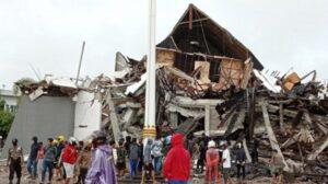 Kantor Gubernur Sulawesi Barat hancur karena gempa majene (Antara)