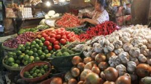 Ilustrasi Pedagang sembako di Pasar Tebet, Jakarta, /suara.com.