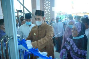 Bupati Kabupaten Pangkep Muhammad Yusran Lalogau (MYL) meresmikan masjid Al Falah yang ada di kampung Parang-parang Kelurahan Anrong Appaka, Kecamatan Pangkajene.(Ist).